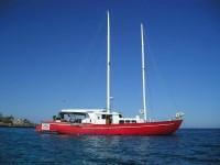 Unser Segelboot, dass uns durch die Inseln brachte.