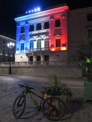 Nicht unser Hotel - gegenüber vom Rathaus in Orléans.
